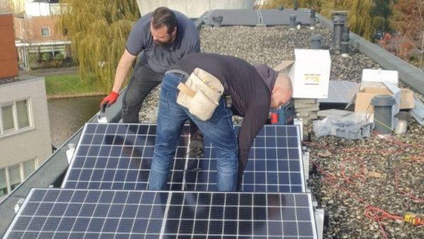 Zonne-energie systemen, zakelijk en woning